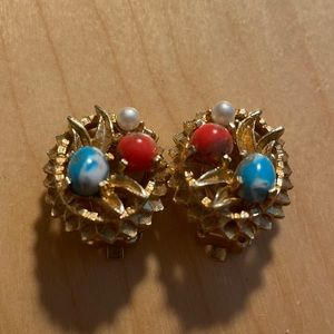 Sarah COV signed retro gold tone metal with turquoise pink, pearl acce earrings